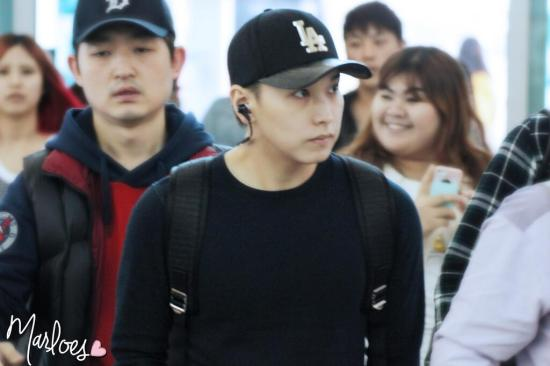 140414 Sungmin & Kyuhyun at Incheon Airport (to Beijing) cr-  Marloes ‏@_ChoMinAm (1)