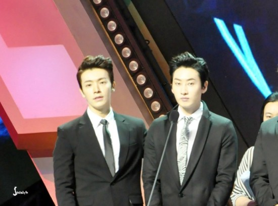 140415 V-Chart Yin Yue Tai Awards with Eunhyuk and Donghae by jo-梦小圆儿_EunHae (1)
