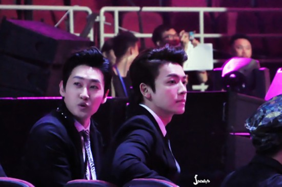 140415 V-Chart Yin Yue Tai Awards with Eunhyuk and Donghae by jo-梦小圆儿_EunHae (3)