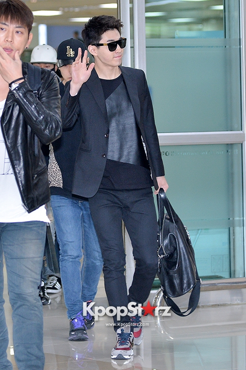140416 Official, Super Junior-M at Gimpo Airport (from Beijing) by kpopstarz  (1)