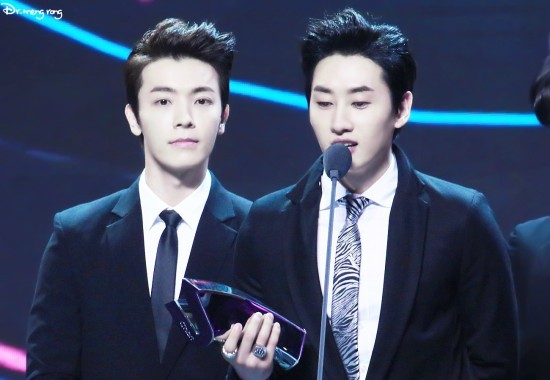 140417_EunHae_at_V-Chart_YYTAward1