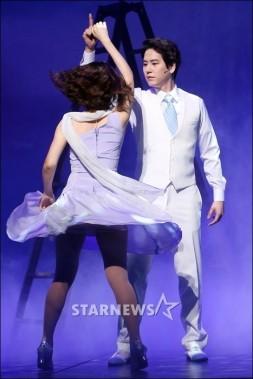 140612-SitR-News-Kyuhyun-28