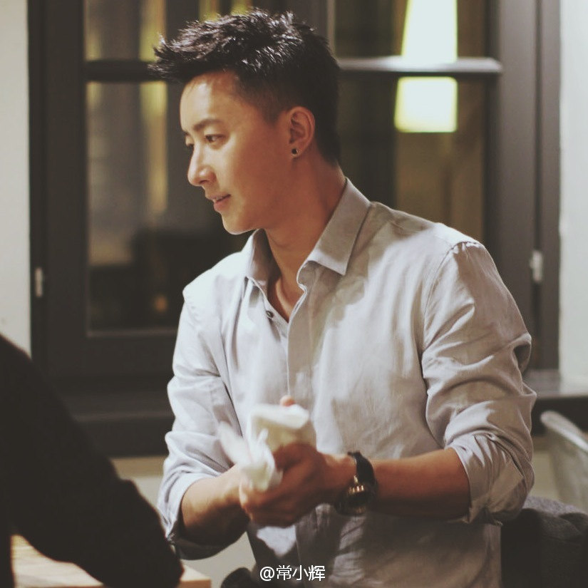 140624 常小辉 weibo update han geng eating dinner milan