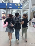 140630-ryeowook-shooping-at-airport-3