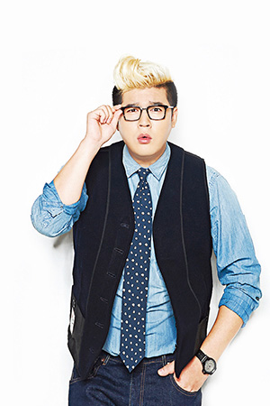 140730 the celebrity august issue shindong (3)