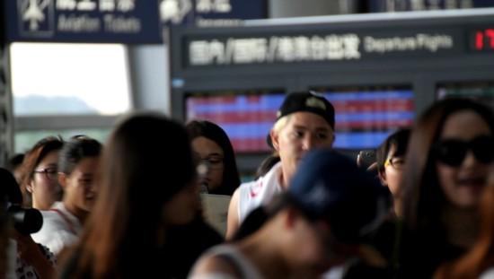 140819 kangin at changsa airport (4)