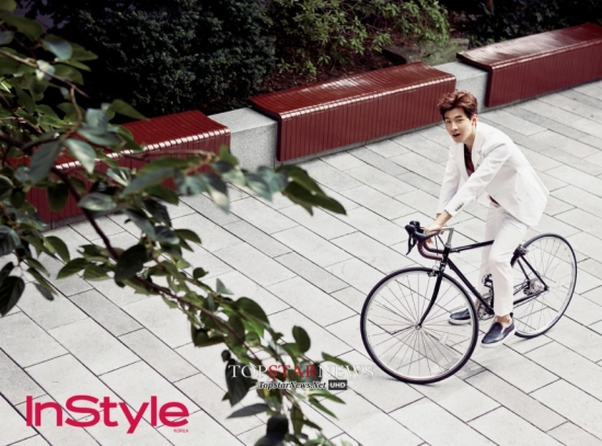 140819 Official, InStyle Magazine with Henry (1)