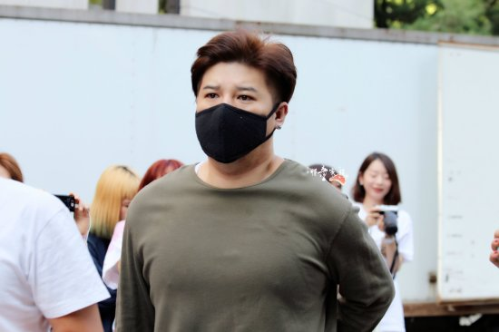 140829-shindong-at-kbs-building-by-xitongjiazu-1