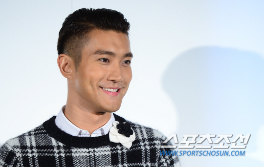 140829 siwon at culture chanel opening000