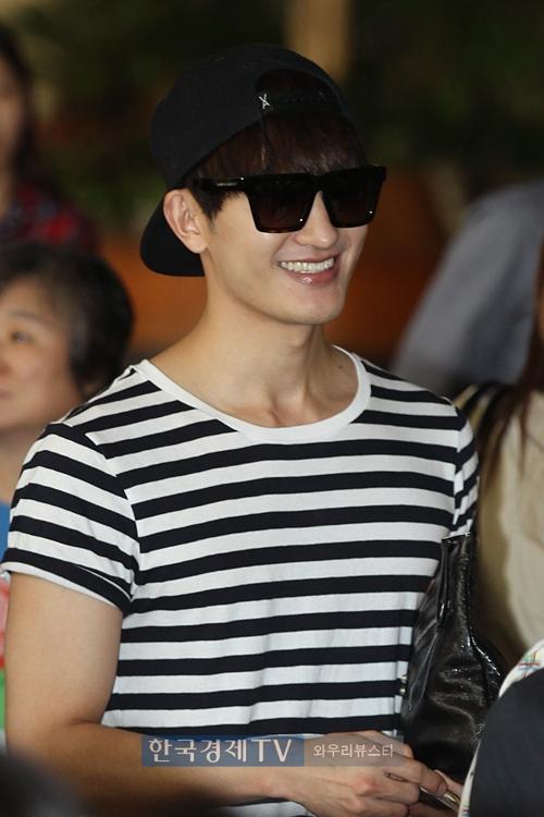 140829 zhou mi at gimpo airport (1)
