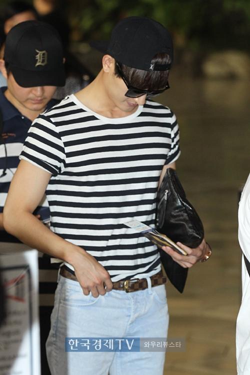 140829 zhou mi at gimpo airport (31)