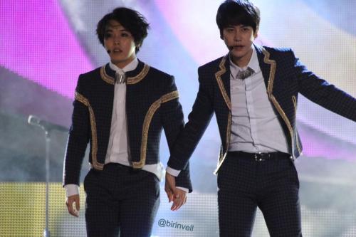 0927foodbank-kyu&min703
