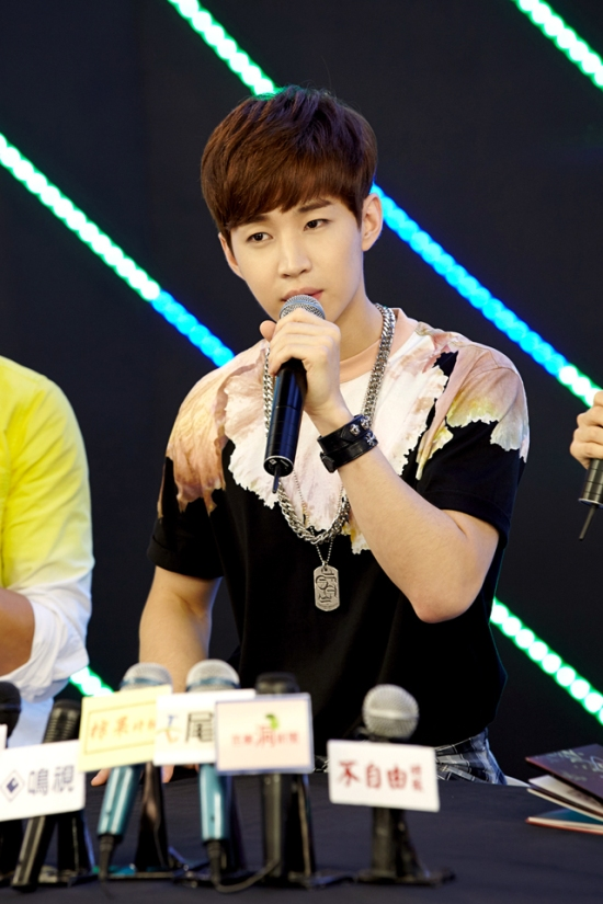 140902 smtown now update henry008