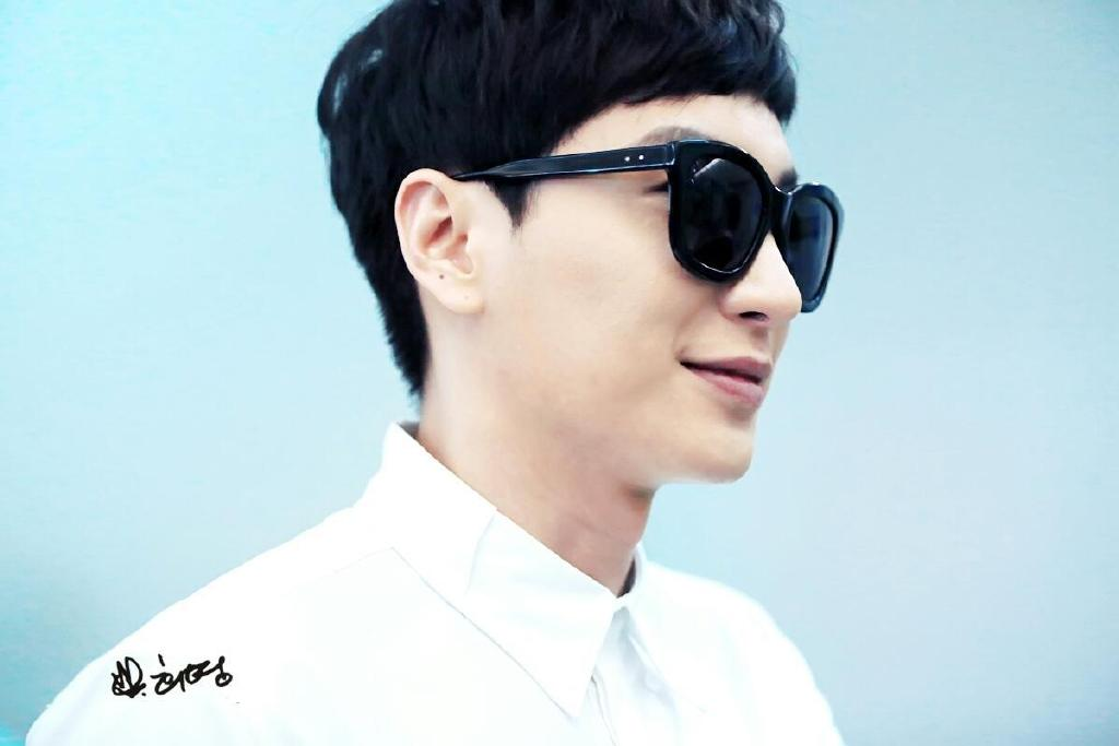 140903 Leeteuk at Incheon Airport to Taiwan [7P]  ☆★☆ SUPER