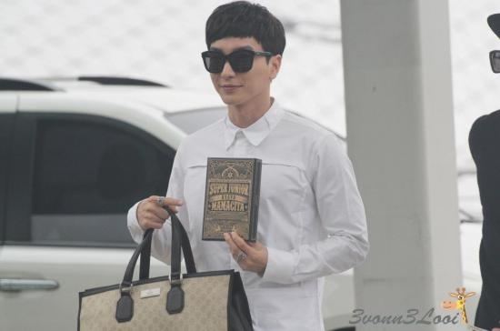 140903 leeteuk donghae at incheon airport003
