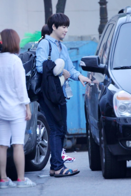 140907 Kyu-after-inkigayo3