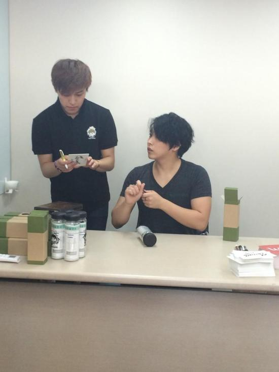 140922 sungmin at wiki cafe (1)