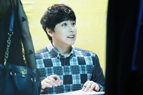 141002-TonyMoly-fansign-sungmin-10