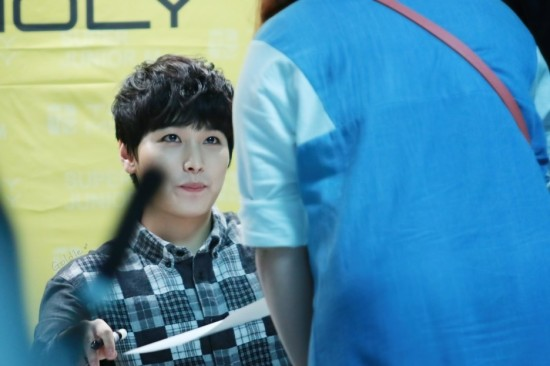 141002-TonyMoly-fansign-sungmin-3
