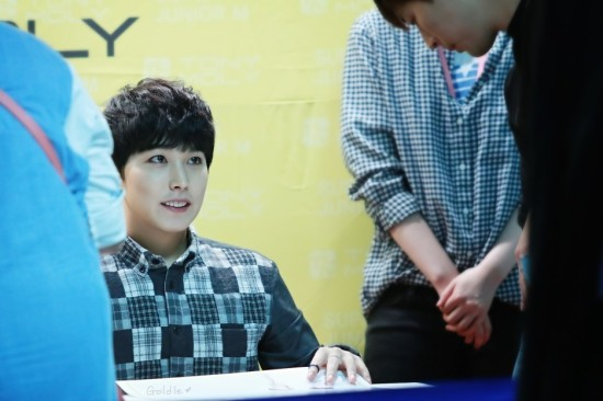 141002-TonyMoly-fansign-sungmin-4