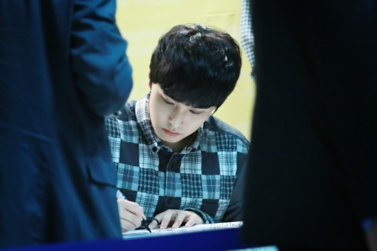 141002-TonyMoly-fansign-sungmin-7