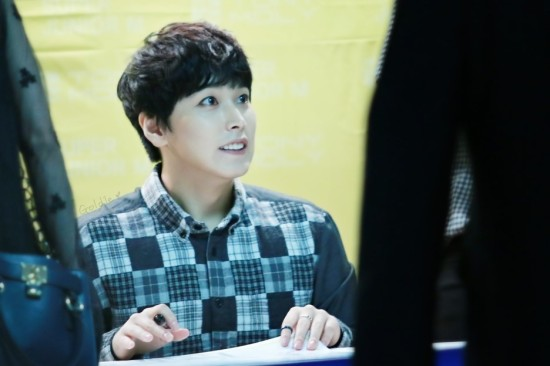 141002-TonyMoly-fansign-sungmin-9