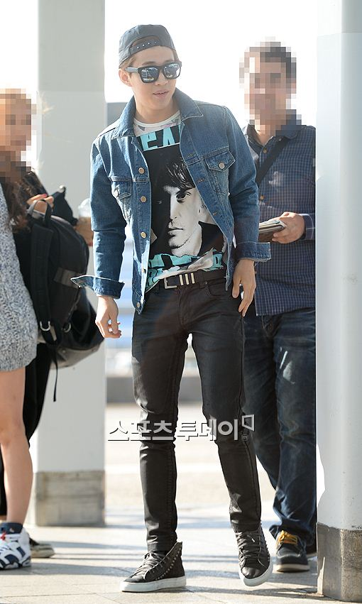141011 henry at incheon airport007