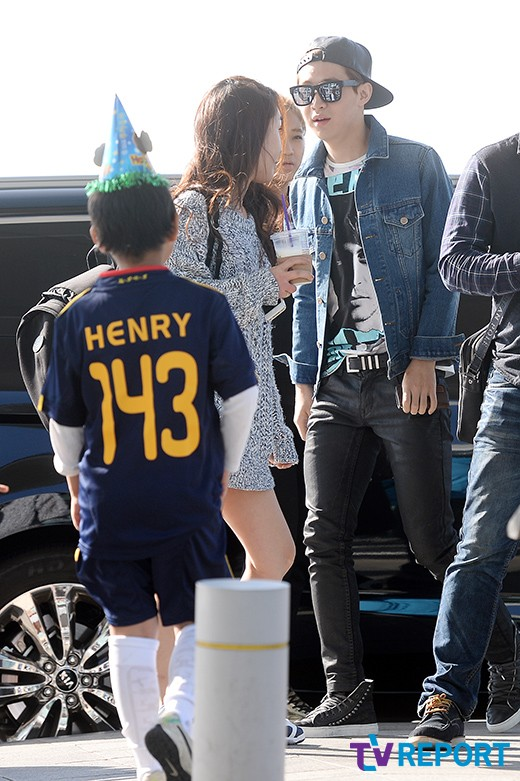 141011 henry at incheon airport008