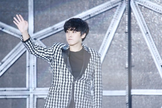141.018 SMTown shanghai Sungmin eunhyuk016