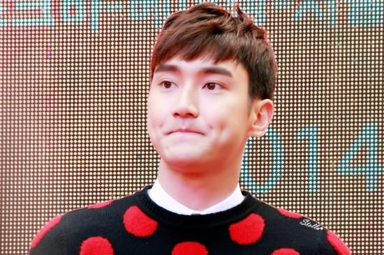 141.024 Siwon in beijing006