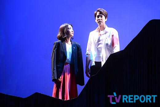 141106 Official, 'The Days' Musical Press Call with Kyuhyun001