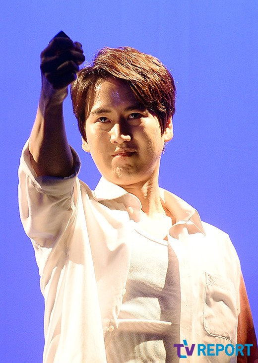 141106 Official, 'The Days' Musical Press Call with Kyuhyun004