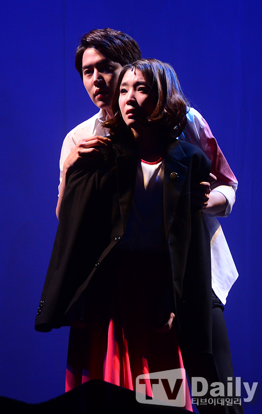141106 Official, 'The Days' Musical Press Call with Kyuhyun008