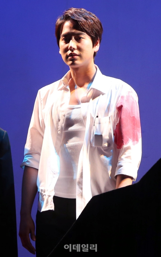 141106 Official, 'The Days' Musical Press Call with Kyuhyun022