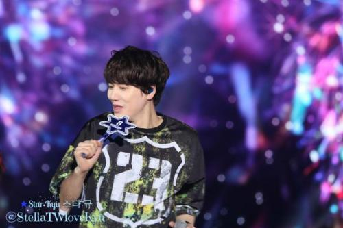 141108 SuperShowHK-Kyu13