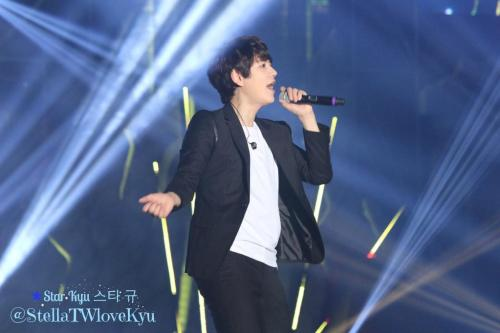 141108 SuperShowHK-Kyu4