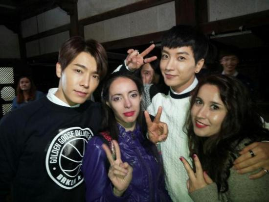 141111-asong4you-SJ-with-fans-2