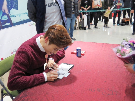 141121 SMTOWN NOW Official Update with Zhou Mi 001