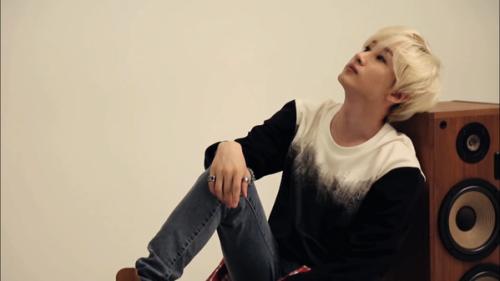 2015 season greetings-hyuk7