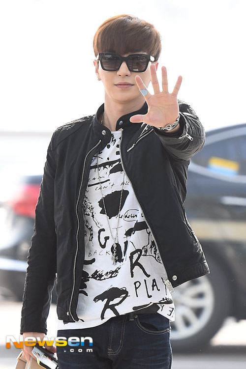 150320-Leeteuk-at-Incheon-Newsen-2