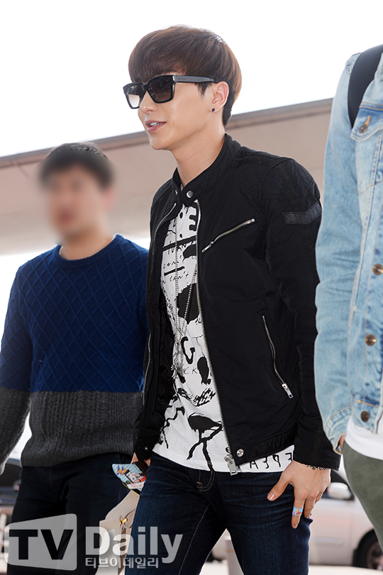 150320-Leeteuk-at-Incheon-TVDaily-6