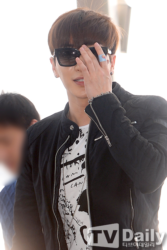 150320-Leeteuk-at-Incheon-TVDaily-7