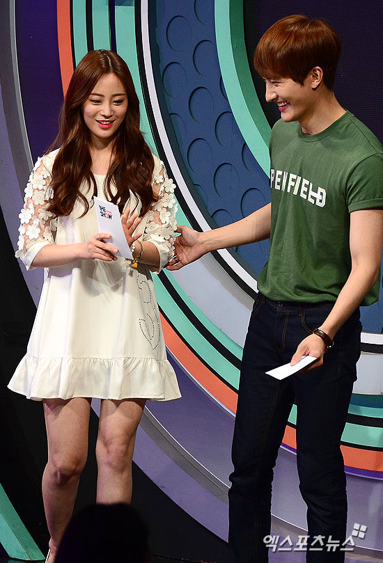 150609 the show zhoumi001