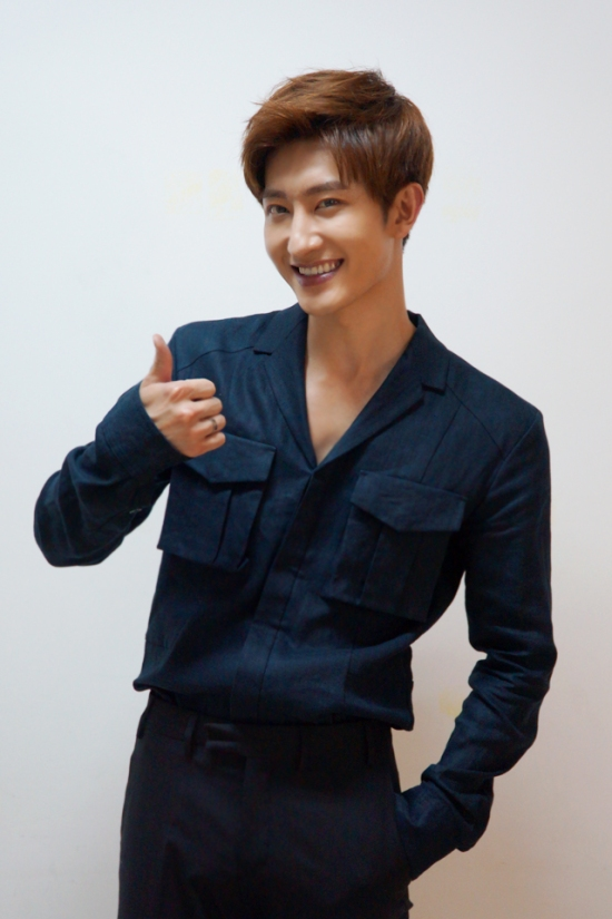 150617 SMTOWN NOW Official Update with Zhou Mi4