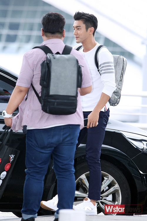 150724 Official, Leeteuk and Siwon at Incheon Airport (to Osaka)10