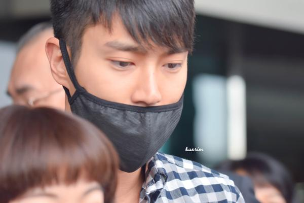 15707 Heechul, Siwon and Kyuhyun at Gimpo Airport (from Tokyo)6