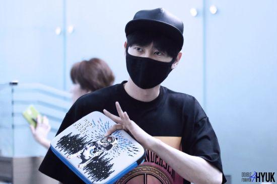 150814 Eunhyuk at Incheon Airport (to Taiwan)2