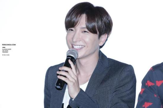 150819 smtown the stage with leeteuk (4)