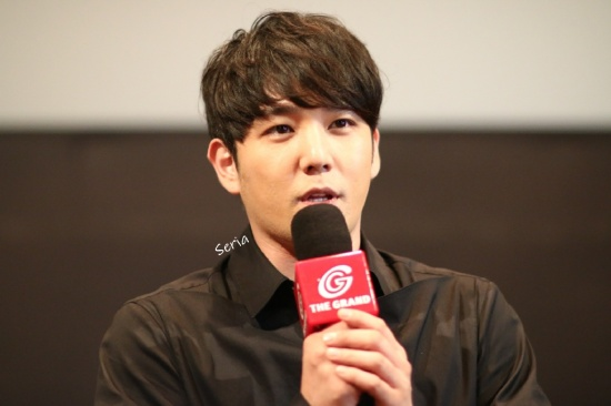 150823 Cat Funeral Premiere in Hong Kong with Kangin (14)