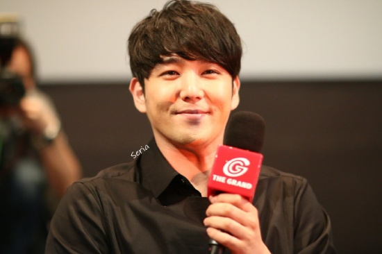 150823 Cat Funeral Premiere in Hong Kong with Kangin (16)